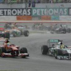 Felipe Massa perdió posiciones en la salida del GP de Malasia 2013