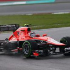 Max Chilton rueda con el Marussia MR02
