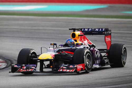 Sebastian Vettel en cabeza