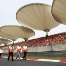 'Track walk' del equipo Force India en China