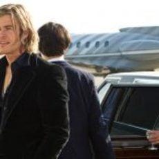 James Hunt llegando a un aeropuerto