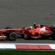 Felipe Massa lideró los libres 2 en China
