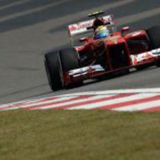 Felipe Massa sigue mostrando buen rendimiento