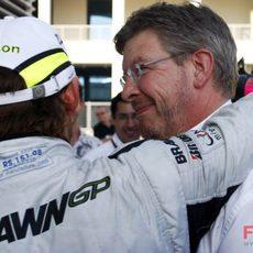 Brawn felicita a su piloto