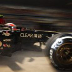 Romain Grosjean con el Lotus E21
