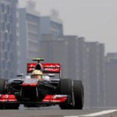 Sergio Pérez entrando a boxes