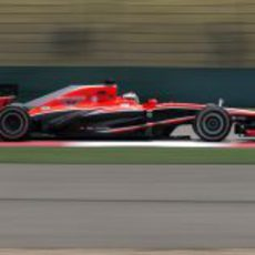 Jules Bianchi ganó la batalla a los Caterham en China