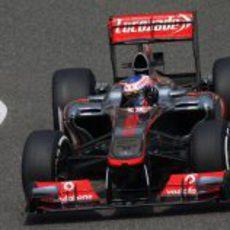 Jenson Button buscando el ápice en Shanghái