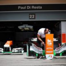 Trabajo en el box de Force India