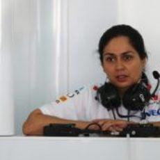 Monisha Kaltenborn en el box de Sauber