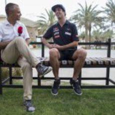 Daniel Ricciardo atiende a los medios desplazados a Baréin
