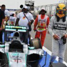 Problemas para Lewis Hamilton