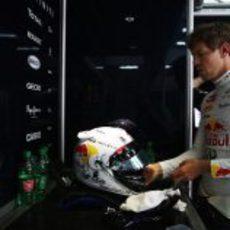 Casco blanco para Sebastian Vettel