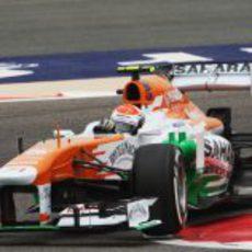 Adrian Sutil rodando en Baréin