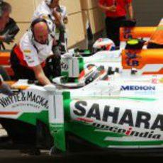 Gran esfuerzo del equipo Force India en Baréin