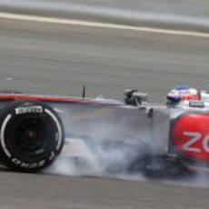 Jenson Button se pasa de frenada