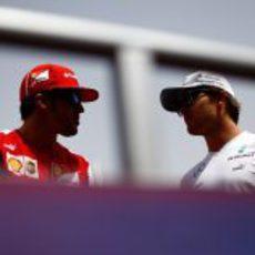Fernando Alonso y Nico Rosberg en Baréin