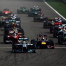 Salida del Gran Premio de Baréin 2013