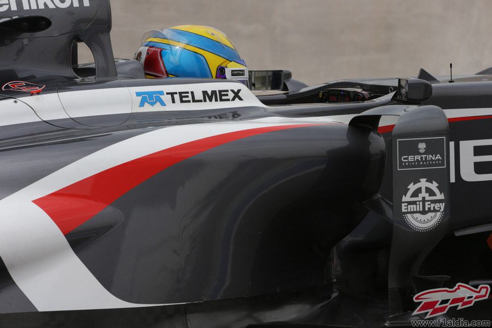 Primer plano de Esteban Gutiérrez en su C32