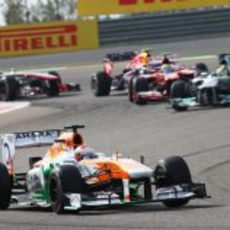 Paul di Resta ganó posiciones en la salida del GP de Baréin 2013