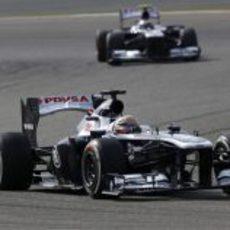 Pastor Maldonado se pone por delante de su compañero de equipo