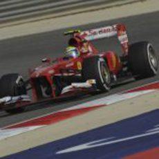 Felipe Massa completó la carrera con el alerón estropeado
