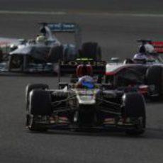 Romain Grosjean progresa en carrera desde la undécima posición