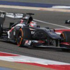 Nico Hülkenberg a toda velocidad durante el GP de Baréin 2013