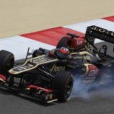 Kimi Räikkönen se pasa de frenada en Sakhir