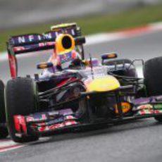 Mark Webber exprime su Red Bull antes del fuego real