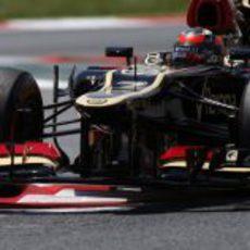 Kimi Räikkönen conduce en Montmeló para Lotus