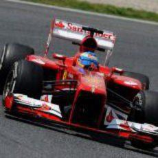 Fernando Alonso afronta los Libres 3 en Montmeló