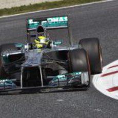 Nico Rosberg cabalga hacia la pole del GP de España 2013