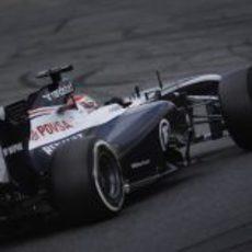 Pastor Maldonado no encontró el ritmo en la jornada del sábado