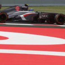 Esteban Gutiérrez prueba el neumático duro en el Circuit