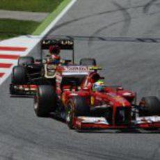 Felipe Massa mantiene a Kimi Räikkönen