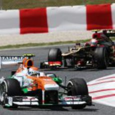 Adrian Sutil tuvo un problema con la tuerca en Montmeló