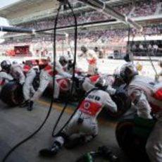 Parada de Jenson Button en el GP de España 2013