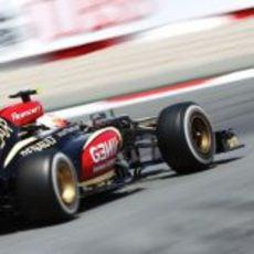 Romain Grosjean abandonó en Barcelona por una rotura de la suspensión