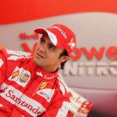 Felipe Massa charla con los medios en Varsovia
