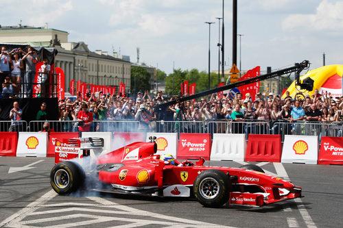 Un Ferrari por las calles polacas
