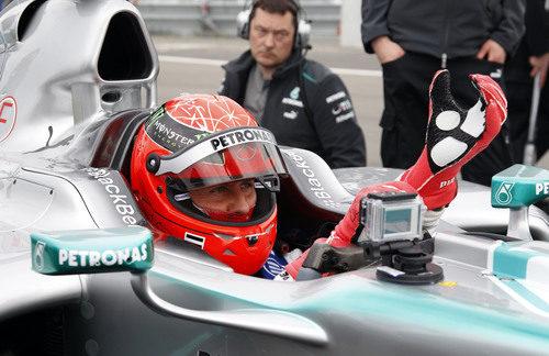 Michael Schumacher vuelve a ponerse los guantes