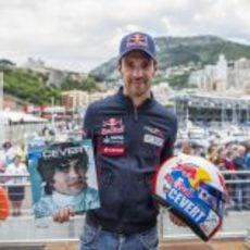 Jean-Eric Vergne presenta su casco especial en Mónaco