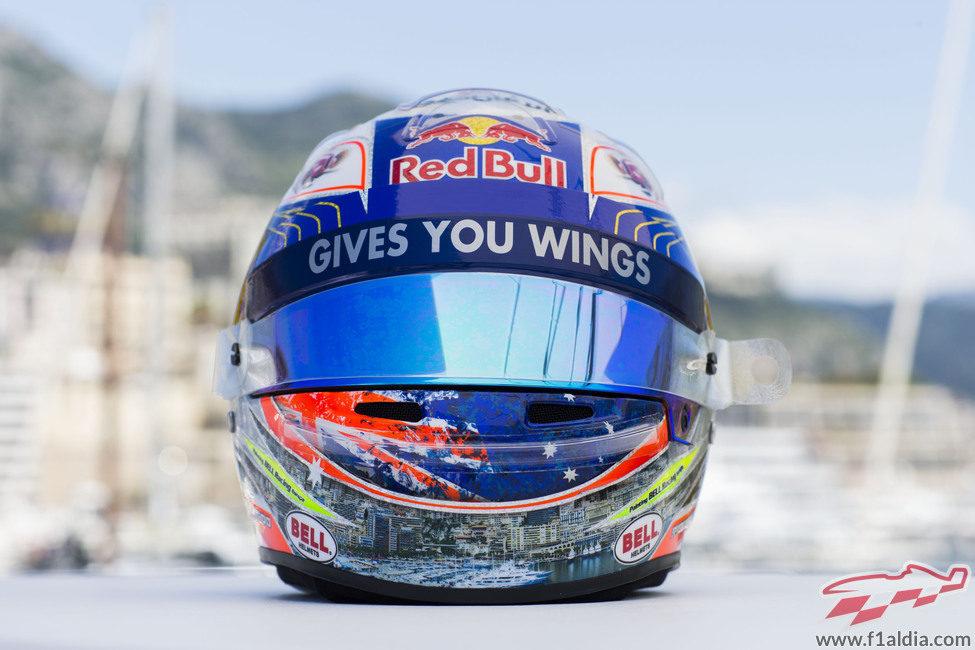 Plano frontal del casco de Daniel Ricciardo para Mónaco