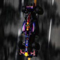 Mark Webber pasa por meta