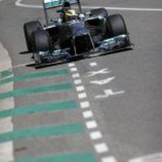Nico Roberg vuela en los entrenamientos de Mónaco