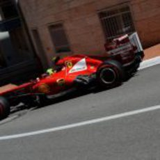 Felipe Massa se acerca a la línea de meta
