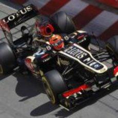 Kimi Räikkönen también rueda con un casco nuevo