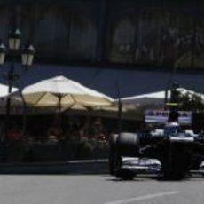 Valtteri Bottas rueda por primera vez en Mónaco