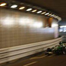 Giedo van der Garde pasa por el túnel de Mónaco